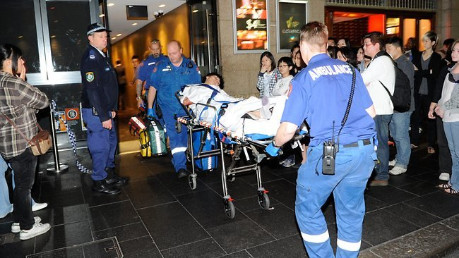 8 injured in stampede as police dogs enter nightclub