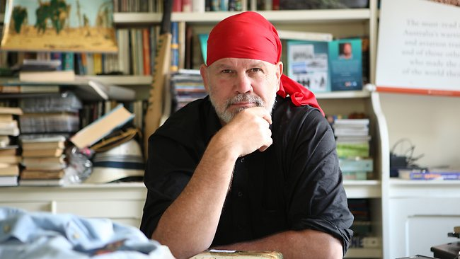 Former Wallaby and SMH collumist, Peter Fitzsimons, says he was never proud of playing Rugby for the current Australian flag.