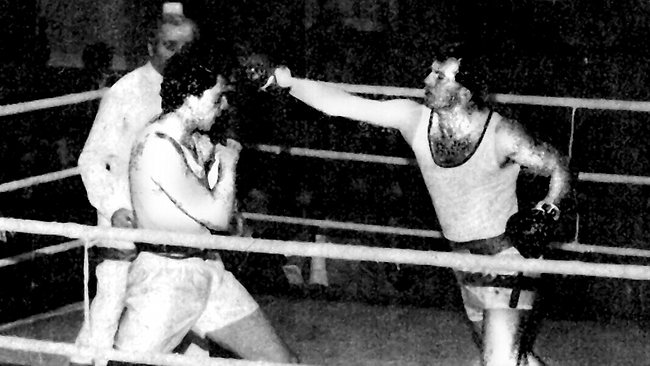Abbott as an amatuer boxer in his early 20's