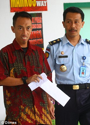 Muhammad Cholil is released on Bail after murdering 20 people in cold-blood several years after his organisation killed 250 people in cold blood.