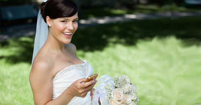 Newlywed Vigilantly Monitors The Amount Of Likes Her Wedding Photo Is Pulling In