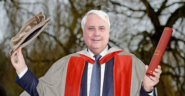 Clive Palmer receives honorary pen licence