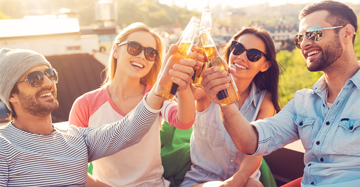 Study finds only girls like beer in clear bottles