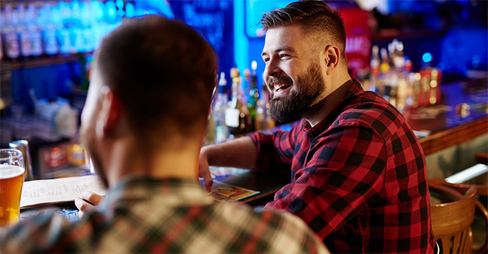 Brisbane man says 'Sorry Mate' 72 times in Sydney nightclub