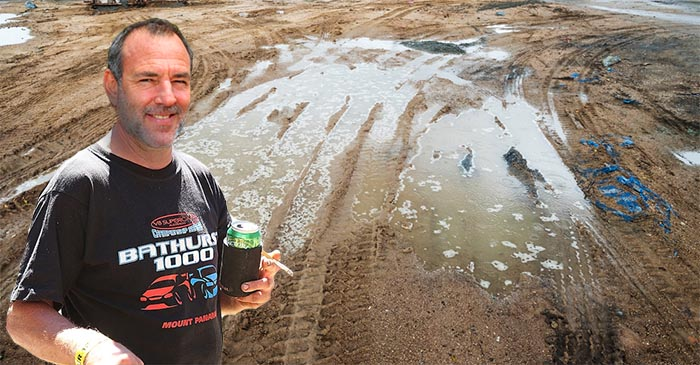 V8 Supercar fan makes pilgrimage back to Mount Panorama mud puddle where he was conceived