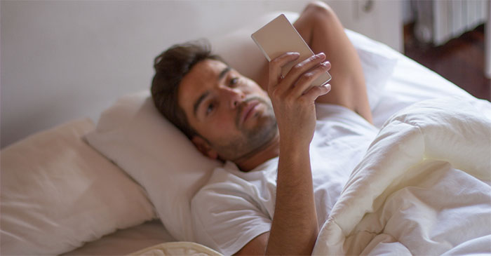Bloke wakes to find his WhatsApp group already arguing over race tips