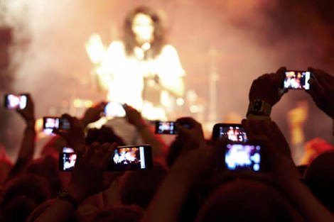 Live Music Even Better Through A 1136 x 640 Pixel iPhone Screen, Says Gen-Y