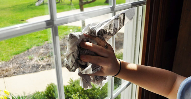 Study reveals Brisbanese people more likely to clean windows with the Courier-Mail than read it