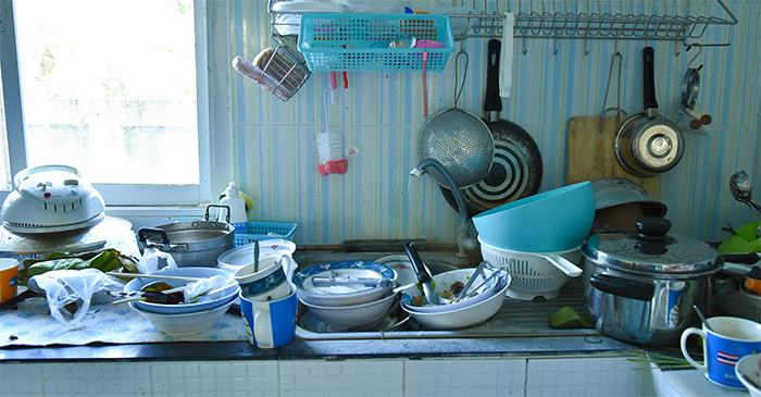 Cold War Between Housemates Over The Washing Up Enters Seventh Day