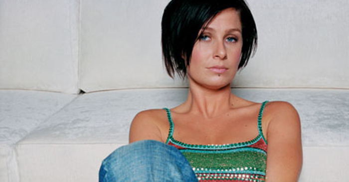 16-Year-Long Study Concludes That Kasey Chambers Was Definitely Pretty Enough