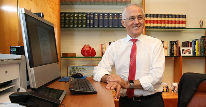 Turnbull solves 457 visa problem by turning it off and on again