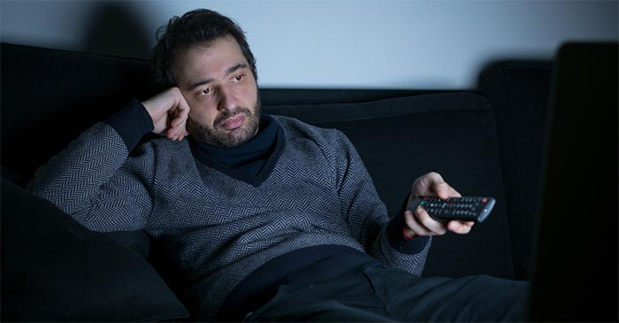 24-Hour News Cycle Currently Instilling Healthy Amount Of Fear Into Local Man