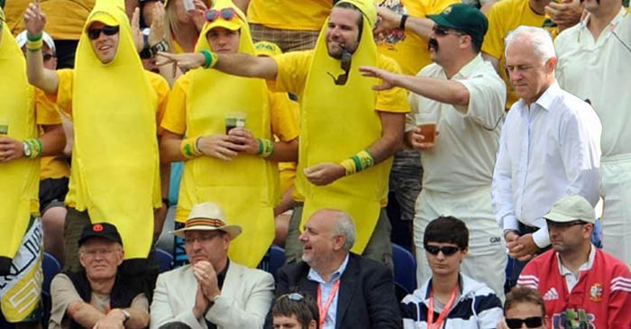 Turnbull's Day At SCG Ruined After Brutish Fan Spills Beer On His Copy Of Fin Review