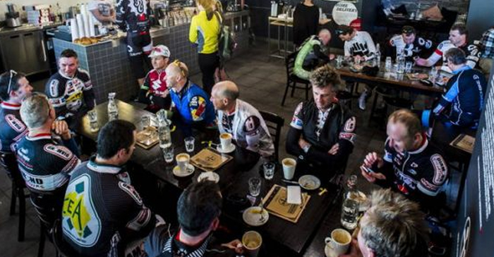 Commonwealth Games Cyclists Noisily Take Over Every Single Cafe In The Gold Coast